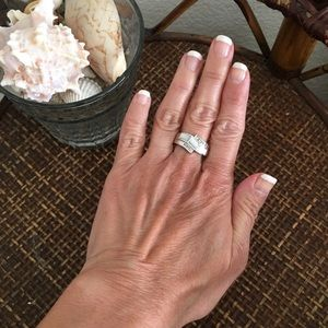 MACY'S Silver and Pearl Ring Size 7